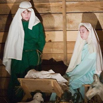 nativity stable & manger